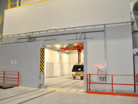 Nowe laboratorium RTG w Hucie Stalowa Wola. Fot. hsw.pl