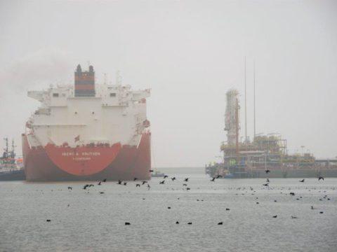 Transport LNG do terminalu w Świnoujściu. Fot. Polskie LNG S.A.