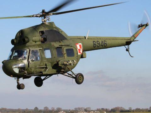 Śmigłowiec Mi-2 . Fot. Wikimedia Commons, By Ministerstwo Obrony Narodowej - http://www.mon.gov.pl/pl/galeria/3901, Attribution, https://commons.wikimedia.org/w/index.php?curid=27018187