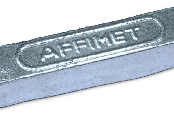 Sztaba (gąska) aluminiowa. Fot. By Romary - Praca własna, CC BY 2.5, https://commons.wikimedia.org/w/index.php?curid=933877