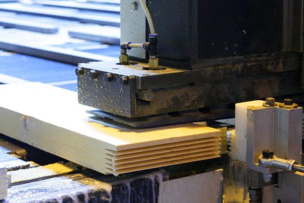produkcyjna do łączenia na mikrowczepy. Fot. CC BY-SA 3.0, creativecommons.org/licenses/by-sa/3.0/