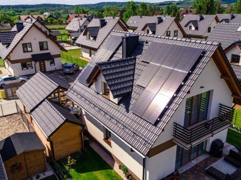 Tak wyglądają panele fotowoltaiczne Bruk-Bet Solar. Fot. Bruk-Bet Solar
