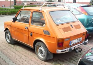 Fiat 126p 650E. Fot. Lechita, CC BY-SA 3.0, https://commons.wikimedia.org/w/index.php?curid=25970962