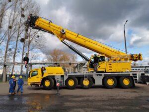 Nowy żuraw będzie największy w gdańskiej rafinerii Lotosu. Fot. Lotos
