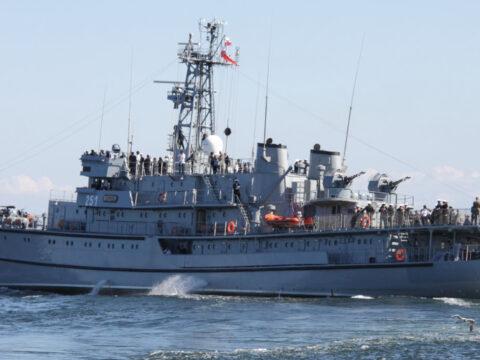 Okręt Marynarki Wojennej statek ORP Wodnik