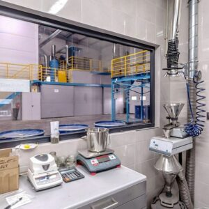 Laboratorium firmy. Fot. Unimetal Recycling.