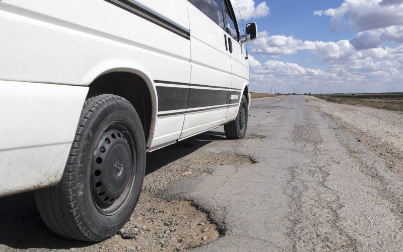 Dziury drogowe. Fot. Pixabay