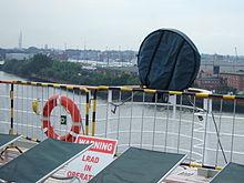 LRAD na pokładzie statku Queen Mary 2 fot. Wikipedia